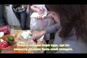 Селедка под шубой по вегетариански и два чудо-рецепта домашнего майонеза