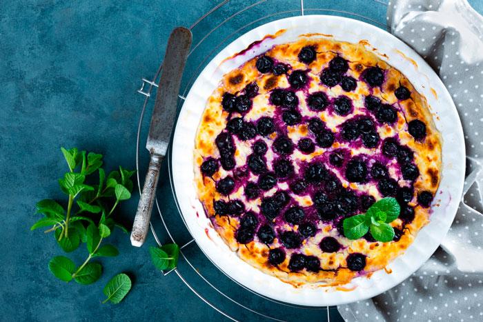 Творожный ягодный пирог