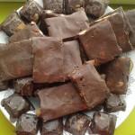 Сыроедный мятный шоколад (постный) с миндалем