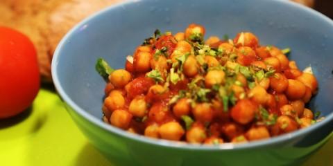 Турецкий горошек в томатном соусе – рецепт