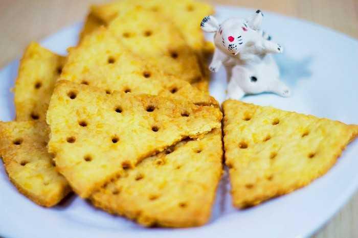 Сырное печенье без сахара