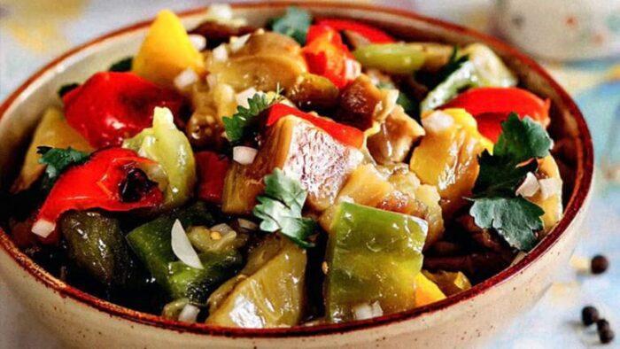 4 рецепта салата из запеченных баклажанов