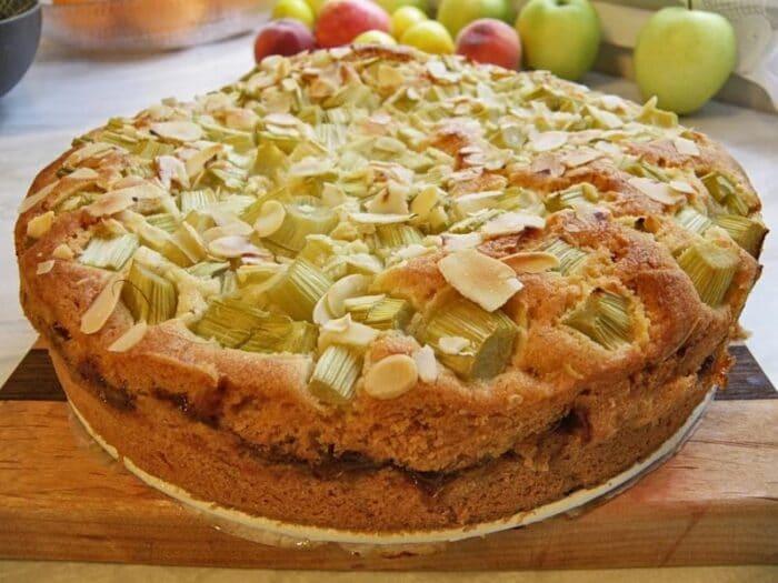Как приготовить пирог с ревенем