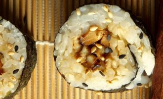суши с грибами