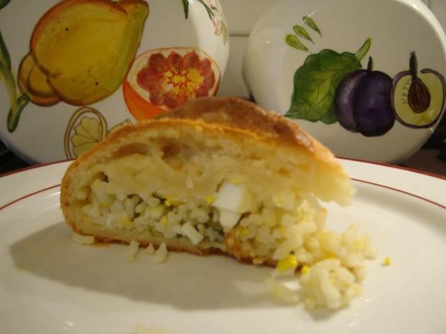 Пирог с яйцом и рисом в духовке: бабушкин рецепт