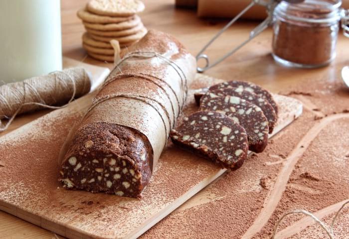 Как приготовить шоколадную колбаску в домашних условиях