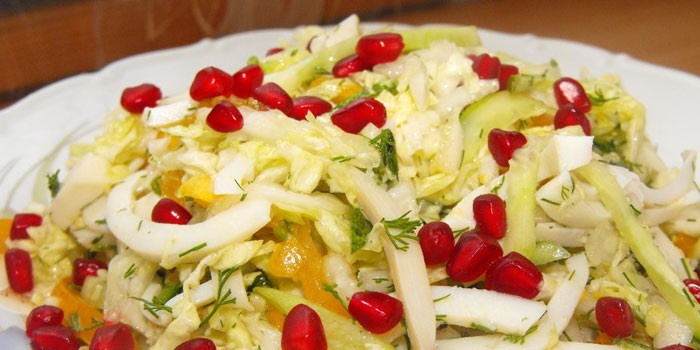 Вегетарианский салат с гранатом