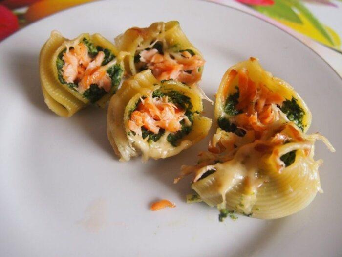 Фаршированные макароны ракушки с сыром и шпинатом – идеальный вегетарианский рецепт