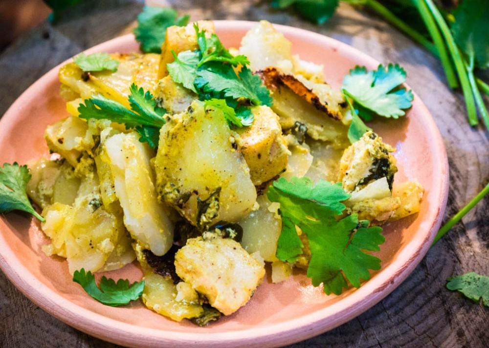Запеченный картофель с домашним сыром в духовке