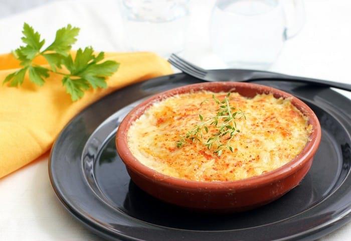 Картофельная запеканка без мяса в духовке