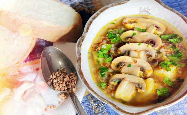 Домашний грибной суп с гречкой и картофельными клецками