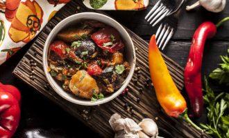 5 рецептов веганских блюд от столичных шеф-поваров
