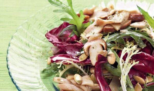 Как приготовить вкусный салат с белыми грибами