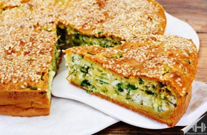Заливной пирог с зеленым луком: 3 рецепта приготовления