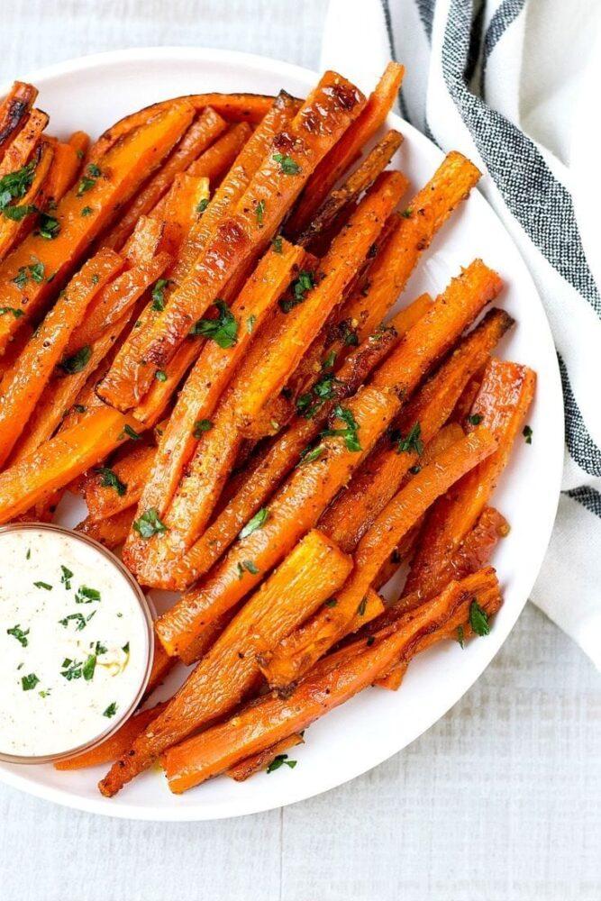 Как приготовить морковные палочки с сыром и чесноком