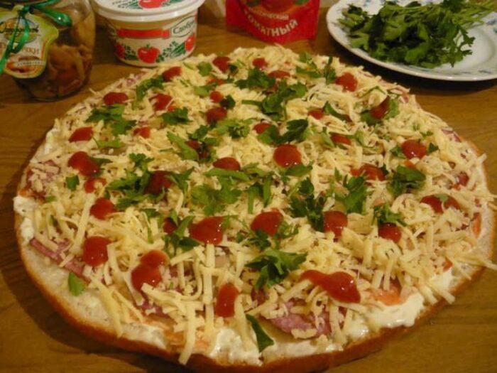 быстрая пицца из толстого лаваша