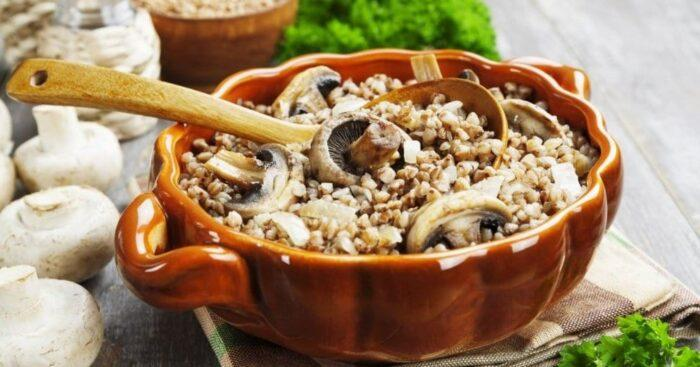 Рецепт вкусной гречки с грибами, луком и морковкой