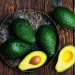 Как правильно выбрать авокадо в магазине