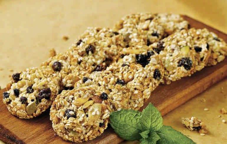 7 рецептов овсяного печенья без сахара и муки