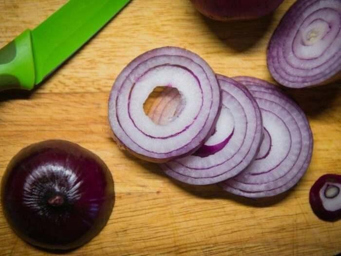 Убираем горечь лука – проверенные способы