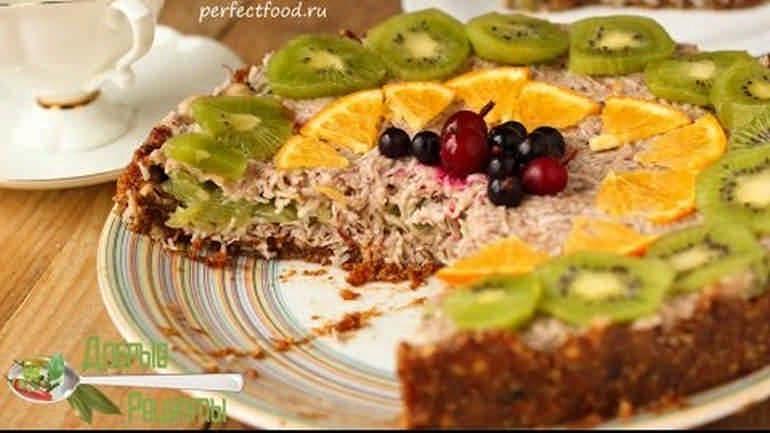 Веганский кокосовый торт без выпечки и без сахара
