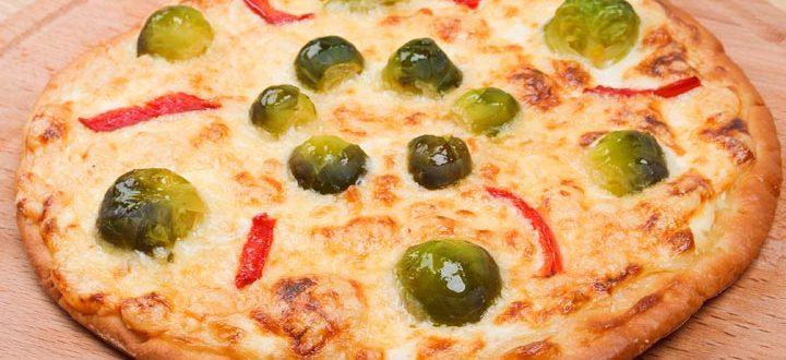 Вегетарианская пицца с брюссельской капустой