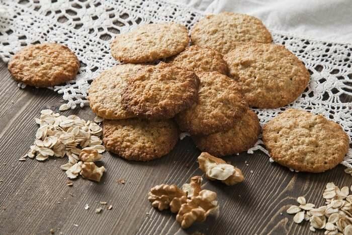 Печенье из овсянки с орехами: 6 легких диетических десертов
