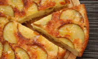 Как сделать яблочную шарлотку