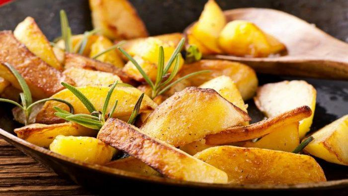 Как пожарить картошку с хрустящей корочкой