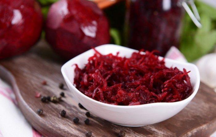 Рецепты салатов из сырой свеклы