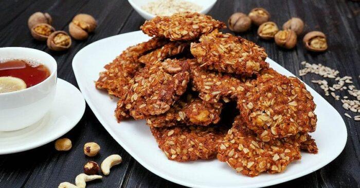 Крекеры с орехами и льном