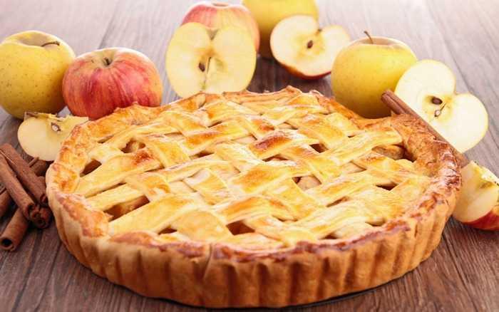 Творожно-сметанный пирог с яблочной начинкой от Людмилы Плехановой