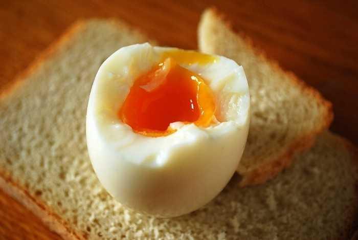 Как приготовить яйца всмятку: идеальный вариант