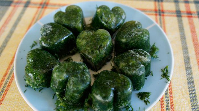 Как заморозить зелень в масле
