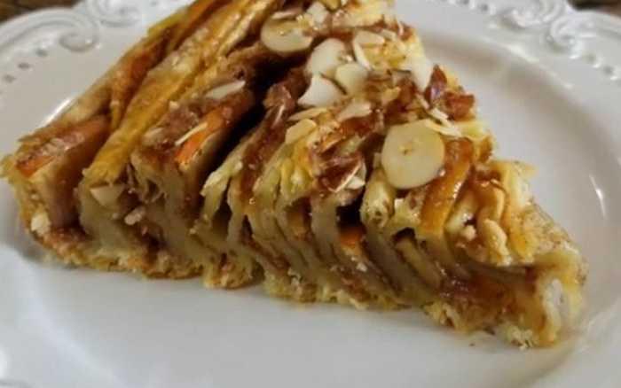 Яблочный пирог улитка из слоеного теста